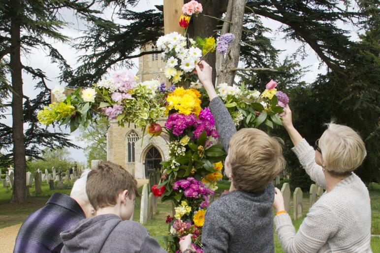 Decorating the Easter Cross, Swavesey 2017